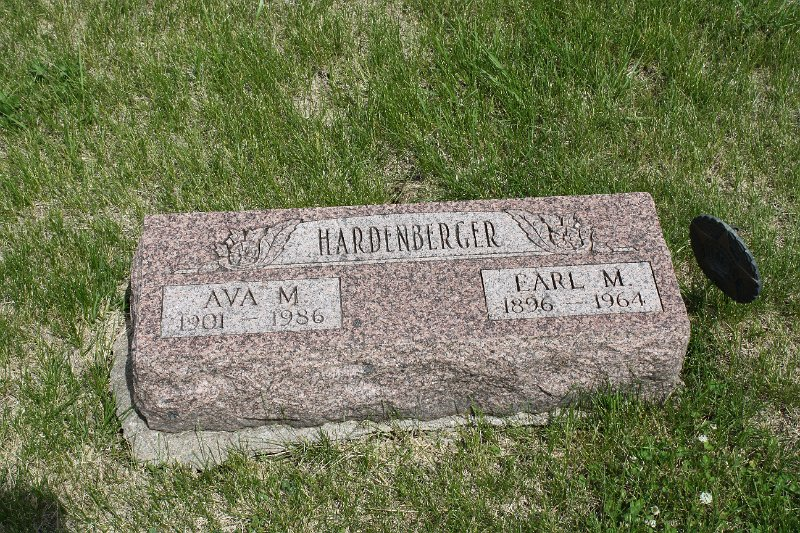 Earl M. Hardenberger Grave Photo