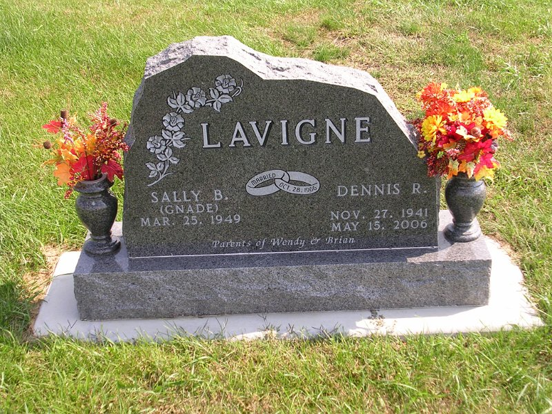 Sally B. (Gnade) Lavigne Grave Photo