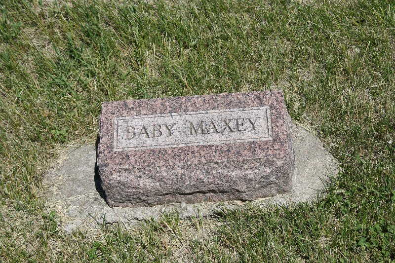 Baby Maxey Grave Photo