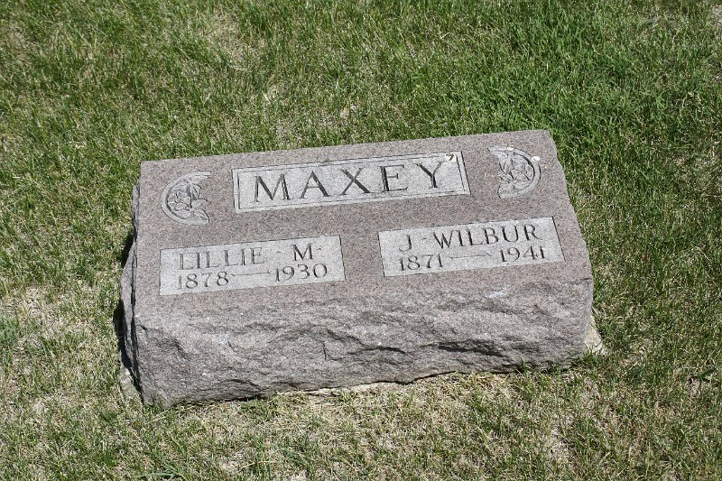 J. Wilbur Maxey Grave Photo
